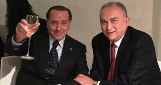 Il condannato Berlusconi torna in campo e, come al solito, torna a circondarsi di gente degna: il Senatore D'Alì salvato per PRESCRIZIONE dal concorso esterno alla MAFIA? Subito una poltrona da Sindaco a Trapani!!