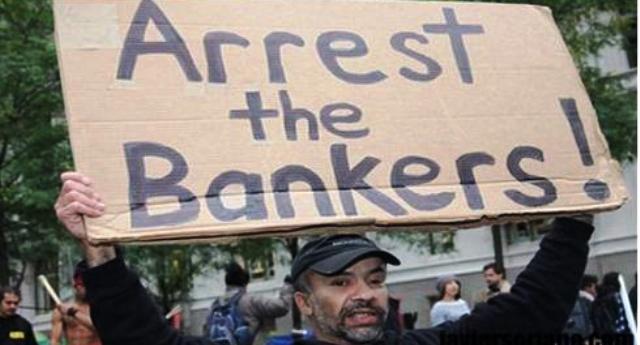 Ci hanno tolto dalle tasche 31 miliardi per salvare Mps & C. ed altri 17 per le banche venete… E siamo nella merda fino al collo. In Islanda, invece, dove hanno politici onesti e capaci, prima hanno sbattuto in galera i banchieri che hanno provocato la crisi, poi hanno rimborsano i cittadini con i soldi ricavati vendendo una banca !!