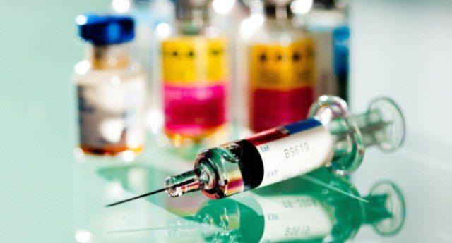 Vaccini – A Voi sembra normale che un Dirigente del Ministero della Salute (che firma le autorizzazioni dei vaccini) sia nel Cda della Glaxo (che produce vaccini)? E qualcuno si meraviglia pure se in Italia ne rendono obbligatori 10…??