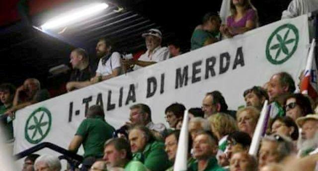 La lega deve restituire 48 milioni TRUFFATI allo Stato Italiano – Sì la lega. La lega di quelli che si pulivano il culo con il Tricolore e schifavano l'Italia e Roma Ladrona. Ma non sempre sempre… Quando si trattava di riempirsi le tasche, un po' Italiani si sentivano…