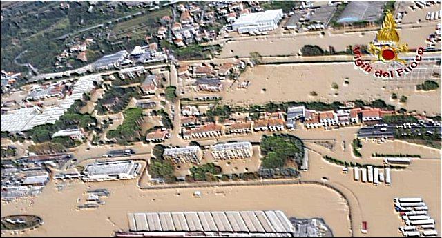 Maltempo… E poi scopri che su 8 miliardi stanziati per i fondi del piano antialluvioni, sono stati spesi solo 100 milioni! Un applauso ai nostri politici…!