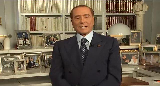 """Elezioni Sicilia, Berlusconi: """"Abbiamo impedito che la regione cadesse in mano a chi non ha mai lavorato"""" …Ora, se riuscissimo ad impedire che finisca nelle mani di noti puttanieri, pregiudicati, evasori fiscali che puzzano di mafia, saremmo nel pallone!"""