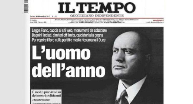 Eccolo l'uomo dell'anno: un buffone travestito da dittatore che ha lasciato dietro di se solo le macerie di un'inutile guerra e che ha sulla coscienza la vita di 500.000 italiani, oltre quelle di Ebrei e dei popoli che ha combattuto.