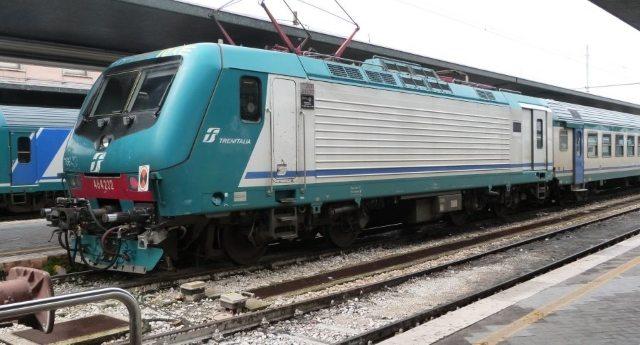 Ci sono Italiani di serie A e Italiani di serie B? No? E allora qualcuno ci spieghi perché per i treni regionali in Sicilia ci sono 429 corse contro le 2.396 della Lombardia…!