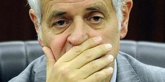 Roberto Formigoni è candidato al Senato per il centrodestra: capolista in tre collegi lombardi …perché a questa gente candidare uno onesto fa un po' schifo