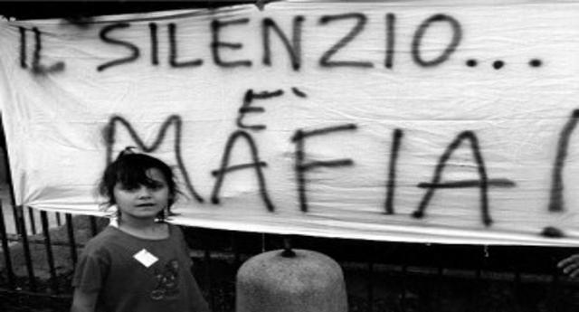 Elezioni politiche: Avete fatto caso che la mafia non esiste nei programmi dei partiti? Troppo utile per mettersela contro??