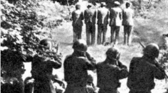 Epic fail di Giorgia Meloni – Non perde l'occasione per speculare sulla tragedia delle Foibe, ma posta una foto che racconta l'esatto contrario: un plotone di fascisti che ammazza civili sloveni!