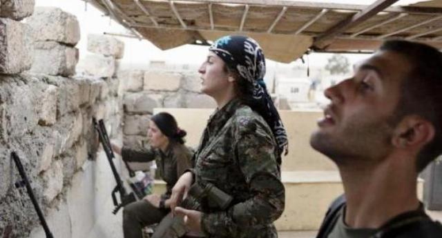 """""""Io sto con le combattenti curde che resistono ai jihadisti al soldo di Erdogan"""""""