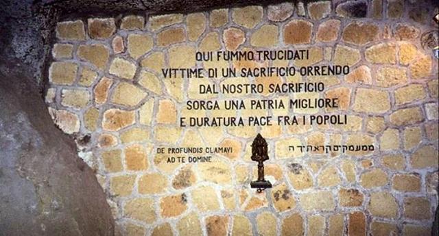 """23-24 marzo 1944, 335 martiri nella cava alle Fosse Ardeatine – Una lapide eterna di orrore sul nazifascismo! Raccontate questo a quei coglioncelli che vanno dicendo """"hanno fatto anche cose buone…"""""""