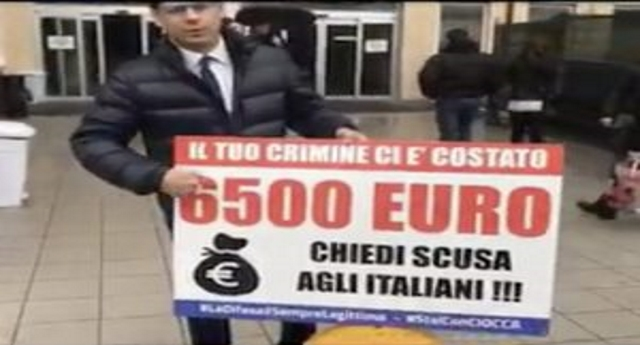 Il leghista Ciocca presenta il conto ad un albanese in ospedale: per i suoi crimini ci è costato 6.500 Euro di soldi nostri! …Qualcuno ora spieghi a Ciocca che resterà un pagliaccio e uno sciacallo finché non andrà da Salvini per chiedere dei 49.000.000 che la Lega si è fottuto… E parliamo sempre di soldi nostri!