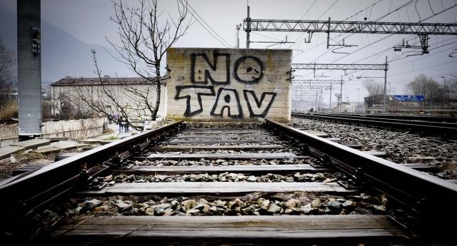Lo strano caso del Tav: è un'opera inutile, dopo 20 anni il Governo lo ammette. Ma si deve fare lo stesso!