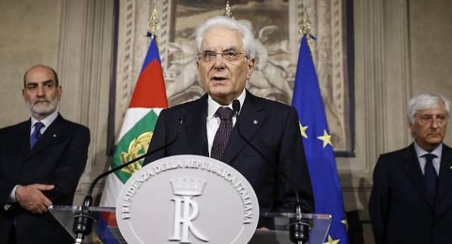 Mattarella convoca al Colle Carlo Cottarelli – Un nuovo governo tecnico non voluto da nessuno? Forse è esagerato parlare di colpo di Stato, ma qua stanno vergognosamente calpestando la democrazia!