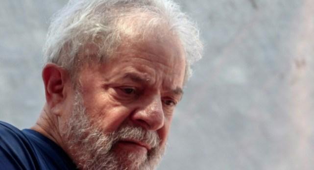 Lula dalla prigione: «È stato realizzato un golpe per eliminare i diritti dei lavoratori e dei pensionati»