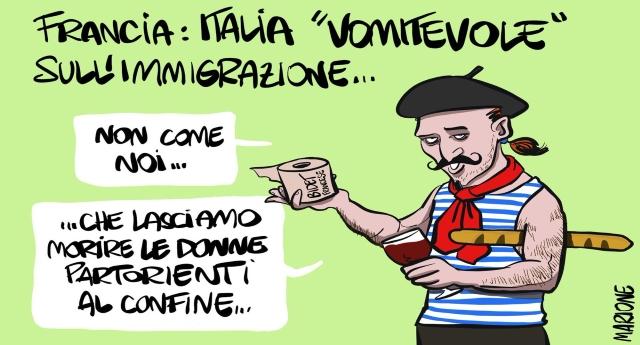 """Macron: """"Vomitevole e immonda la linea del governo italiano sui migranti""""… Tutta l'ironia e la rabbia del Web"""