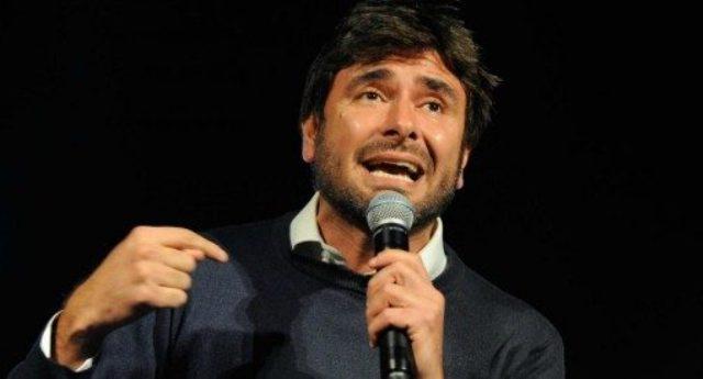 """Alessandro Di Battista incita Matteo Salvini contro le scorte inutili: """"Toglile, Boschi e Vespa se la paghino da soli"""""""