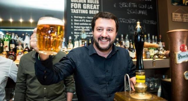 """Salvini lancia """"Scuole sicure"""": 2,5 milioni contro spaccio di droga… Ora, chi usa ancora la testa e non si """"ammocca"""" la solita propaganda, si sarà reso conto che – avendo in Italia 40.000 scuole  -ognuna avrà a disposizione 60 Euro… Insomma, un'altra presa per i fondelli!"""