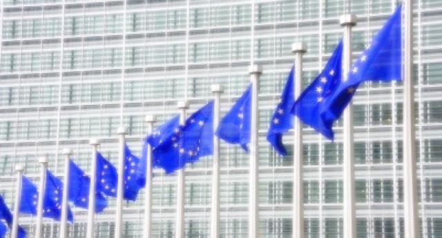 All'Unione Europea resta altro che l'arma disperata dello spread. L'Italia può distruggerla creando l'effetto domino…