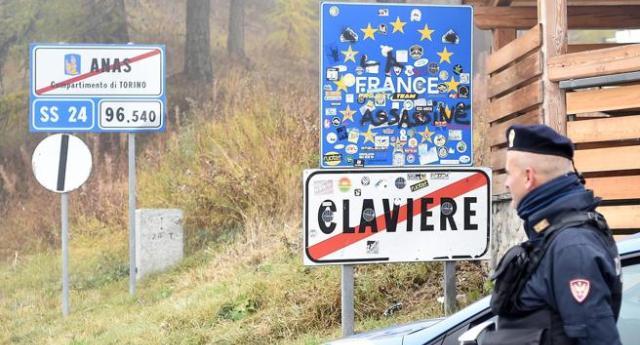 """Ed ora viene fuori che quelli che qualche mese fa definivano noi Italiani """"VOMITEVOLI"""" a Claviere hanno respinto anche bambini… E qualcuno mi chiede pure perché i francesi mi stanno sulle palle…."""