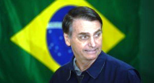 """Chi è Bolsonaro, il nuovo presidente del Brasile. Disse: """"Meglio un figlio morto che gay"""" – Estremista di destra, omofobo, sessista, razzista e nostalgico della dittatura militare…"""