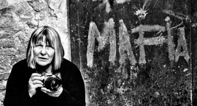 """La storica fotoreporter siciliana Letizia Battaglia: """"I mafiosi sono dentro le istituzioni, ecco perché non ammazzano più i politici"""""""