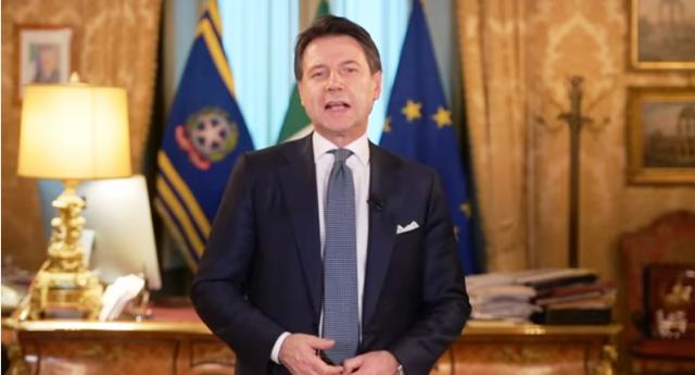 """Siamo il Paese in cui il Presidente del Consiglio si deve pubblicamente scusare per aver salvato 10 naufraghi… Ma non vi vergognate neanche un po' nel sentirvi chiamare """"Italiani""""…?"""
