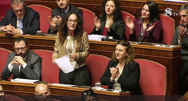 """M5S, Paola Taverna: """"Pd e Forza Italia sempre uniti, anche contro il reddito di cittadinanza. Ma come si fa a sedere in Parlamento ed a contrastare l'unica misura che può contrastare le disuguaglianze sociali…?"""""""