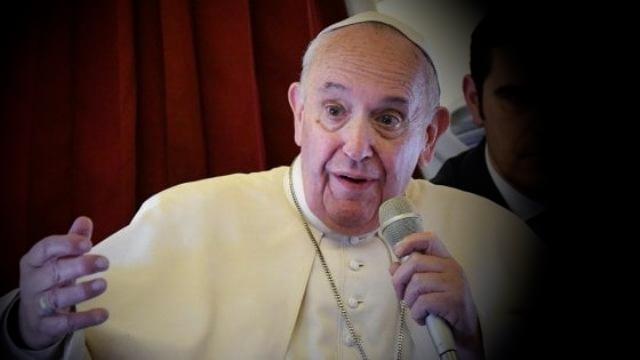 """Un'altra lezione di Papa Francesco all'Italia neofascista: """"Non dire 'migranti', ma 'persone migranti'. E' più rispettoso"""""""