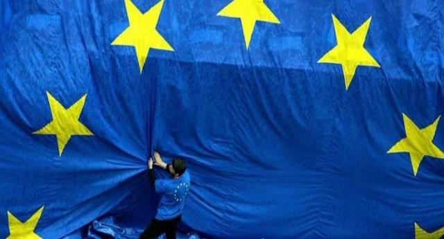 Come trent'anni di Maastricht hanno distrutto l'Italia – Uno spartiacque: prima decenni di forte crescita che ha portato la nostra economia ai livelli di Francia e Germania. Dopo il costante, inesorabile declino che ha letteralmente cancellato tutti i successi conseguiti fino a quel momento.