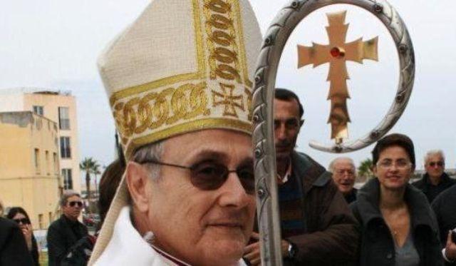 """Il vescovo di Mazara del Vallo """"scomunica"""" Matteo Salvini e i leghisti – """"Chi con lui non può dirsi cristiano perché ha rinnegato il comandamento dell'amore"""""""