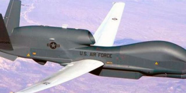 """Trump dichiara di non aver rinunciato a bombardare  l'Iran e state tranquilli: lo farà! – Anche per i nostri giornalisti è """"la giusta risposta per l'abbattimento del drone americano""""… E nessuno che si faccia la domanda più ovvia: che cazzo ci faceva un drone americano nei cieli dell'Iran?"""