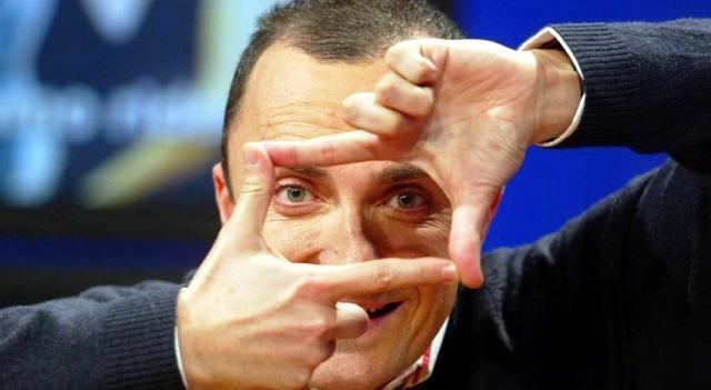 No cari amici, non rivedrete Luttazzi in Rai: l'onda lunga dell'editto bulgaro non si è esaurita – Dicono che è un problema di soldi, ma in verità la questione è il controllo della satira!