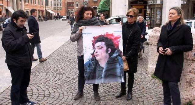 25 settembre 2005 – Ucciso a botte dalla polizia, Federico Aldrovandi, morto a 18 anni…!