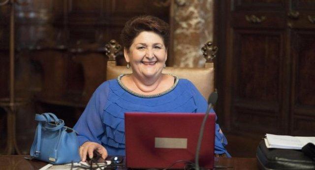 """…E il Ministro Bellanova dà una lezione ai webeti: """"Quando mi iscriverò a un concorso di bellezza potrete giudicarmi per il mio aspetto – finché starò nelle istituzioni siete tenuti a giudicarmi per il lavoro che faccio"""""""