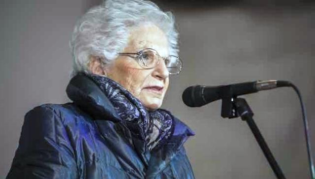 Anche il sindaco di Sesto San Giovanni (Forza Italia) rifiuta la cittadinanza onoraria per Liliana Segre… Forse quando capiremo che questo significa schierarsi apertamente dalla parte di chi gli ebrei li bruciava, sarà troppo tardi!