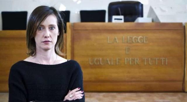 """Ilaria Cucchi ha querelato Salvini: """"Questo signore smetta di fare spettacolo sulla nostra pelle"""""""