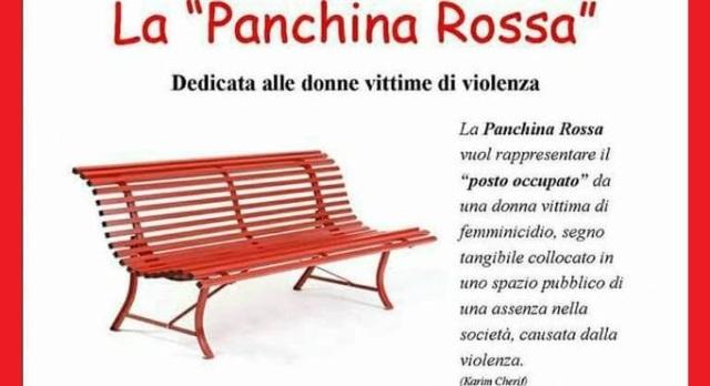"""Il sindaco di destra rifiuta la panchina rossa contro la violenza sulle donne: """"Stona con le altre"""" …Ma la verità è semplicemente che la lotta contro la violenza sulle donne stona con la cultura fascista!"""