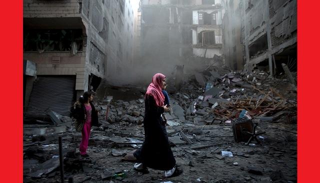 """La denuncia del parroco di Gaza: """"Siamo nella più grande prigione del mondo, aiutateci"""""""