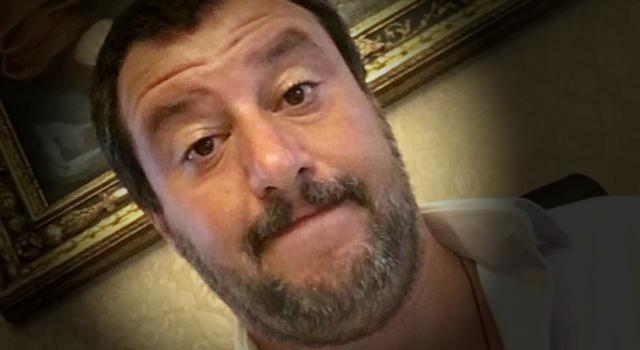 Salvini lo smemorato: si dimentica del 50° anniversario della Strage di Piazza Fontana. E quando se ne ricorda, con sole 2 righe su twitter E solo alle 16:00, dimentica che è stata una strage fascista!