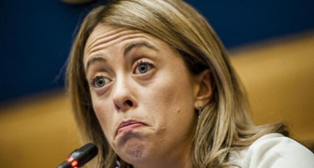 Giorgia Meloni si scaglia contro l'aumento delle accise… Qualcuno potrebbe ricordarerle che proprio lei ha votato a favore di 6 degli ultimi aumenti di accise?