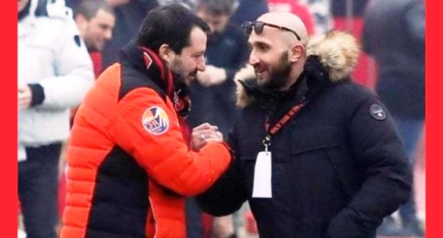 Salvini il giustiziere citofona allo spacciatore? Non Vi fate prendere per i fondelli… da ministro degli interni, quando non era in campagna elettorale, gli spacciatori (italiani) li abbracciava…!