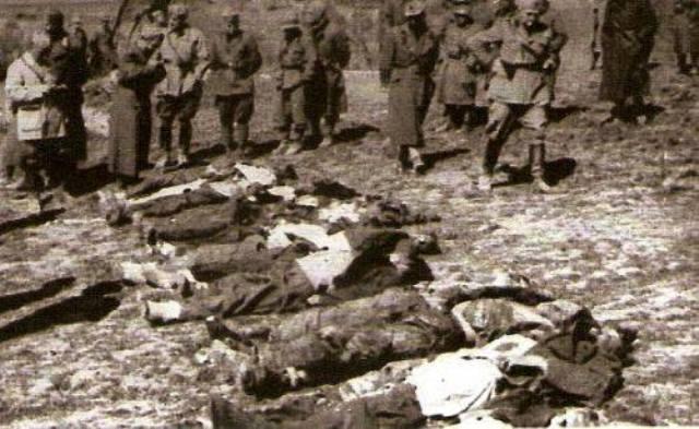 """Per non dimenticare, 16 febbraio 1943 – """"Vi bruceremo tutti"""". Quando l'esercito fascista uccise a sangue freddo 175 uomini e ragazzi del villaggio greco di Domenikon: una storia che la Rai, nel 2008, rifiutò di raccontare"""