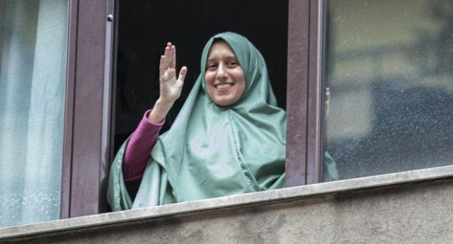 Liberata dai terroristi ha bisogno della scorta a casa sua: bentornata nell'Italia dei fascioleghisti, cara Silvia!