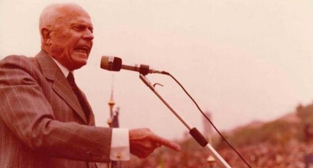 28 giugno 1960 – Sandro Pertini: dire no al fascismo riaffermando i valori della Resistenza – Eravamo nel 1960, la Dc permise il congresso dei neofascisti del Msi a Genova. La città si sollevò e Pertini tenne un discorso memorabile