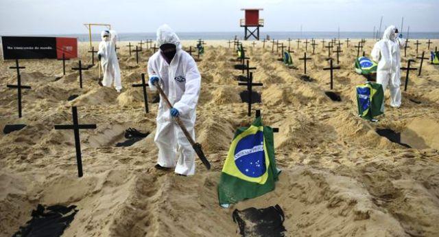 In Brasile, ogni minuto 25 malati in più di Covid, la catastrofe firmata Bolsonaro. Ed a noi non resta che ringraziare il cielo di non aver avuto, in questi momenti, gente come Salvini al governo!