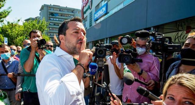 """Per la serie """"se questo è un uomo"""" – La """"vendetta"""" di Salvini sul figlio 15enne di Selvaggia Lucarelli: lo dà in pasto alla Bestia e viene riempito di insulti…"""
